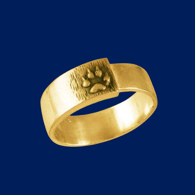 Wolf tracks, sealring, gold