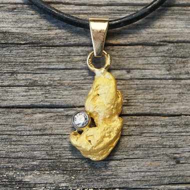 Gold nugget pendant, diamond