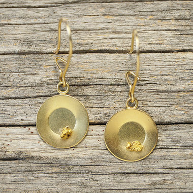 Gold pan, earrings