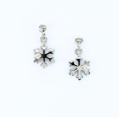 First snow, white gold earrings